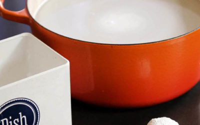 How to clean Le Creuset cookware naturally